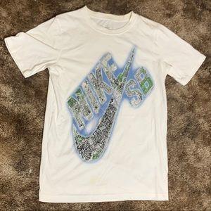 Nike Sb shirt short sleeve Size XL (white)